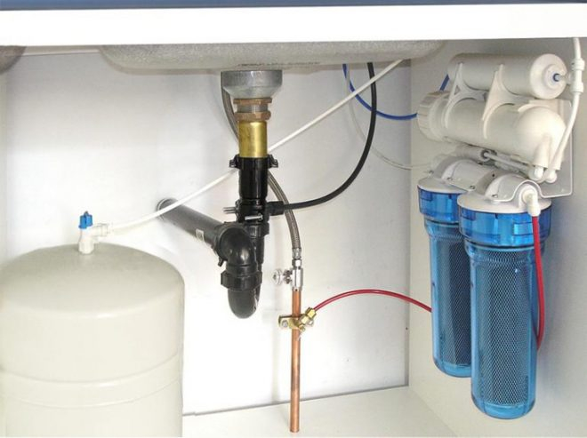 kak-sdelat-filtr-dlya-vody2-660x493.jpg