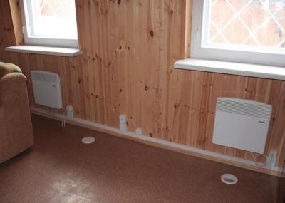 Електроконвекторы под окнами